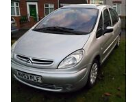 £795! Picasso Exclusive 1.8 Petrol. Brilliant & Practical Family car.