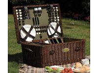 Brand new family picnic hamper (6 Persons)