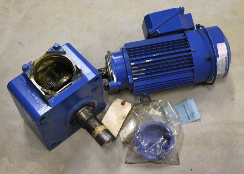 SM-HYPONIC, RNFM1-1531RYC-AVXJ-B-80,  1hp gear drive, 80:1, out 21.9rpm, NEW