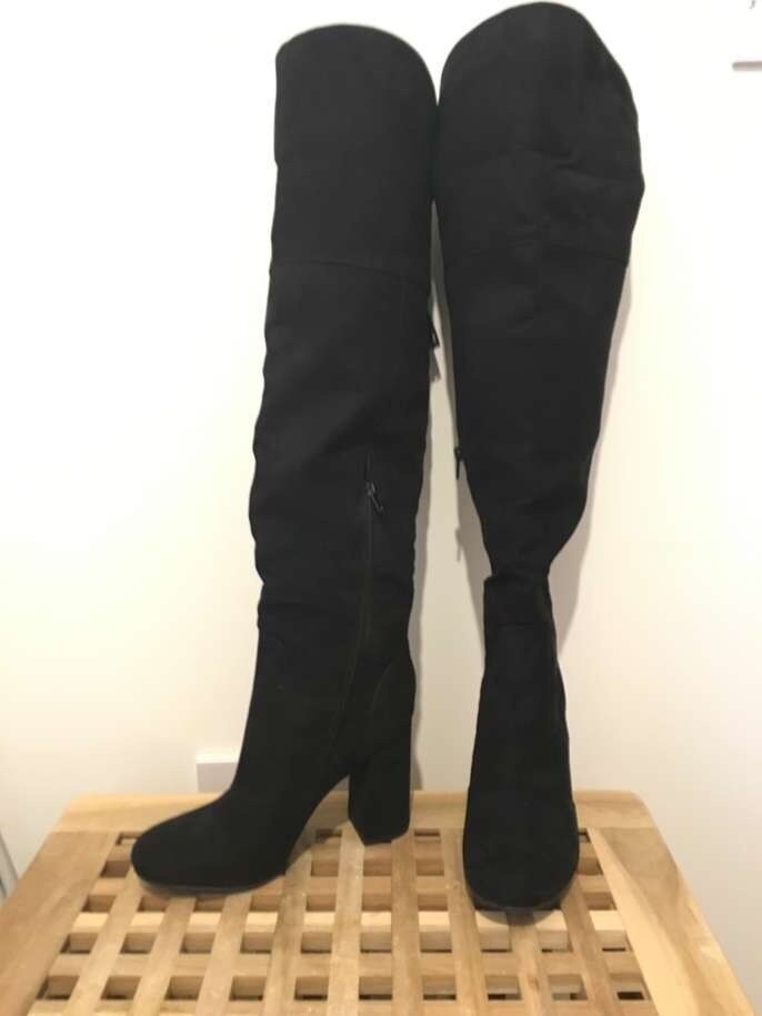Knee high boots brand new size 5