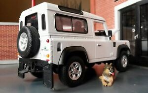 Model Land Rover Defender TD5/TDCI 90 Welly 1:24 Scale Diecast White Car 4x4