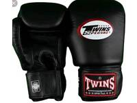 Brand new customized twins boxing gloves in all oz 8oz 10oz 12oz 14oz 16oz