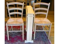 Drop Leaf Kitchen Table and 2 Chairs Good condition