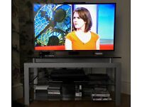 MODERN HIGH QUALITY TV STAND FOR SALE GOOD AS NEW!