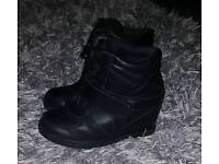 Ladies wedge trainer boots shoe