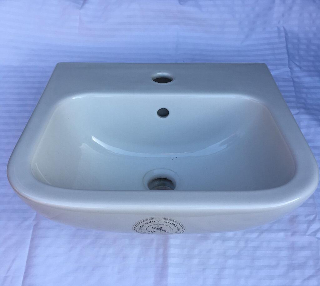 Armitage shanks bathroom sinks - Cloakroom Sink Armitage Shanks 40cm