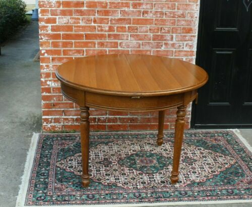 English Antique Oak Edwardian Style Round Kitchen Table With Butterfly Leaf