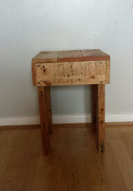 Rustic reclaimed pallet side table/coffee table handmade/stool/bedside table/ - Renniesfurniture