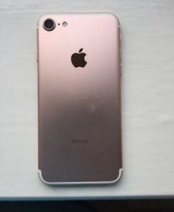 rose gold 32 GB iPhone 7  9/10 condition