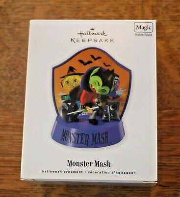 MIB Hallmark Keepsake 2010 Monster Mash Halloween Ornament Magic Features Sound