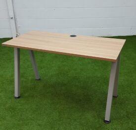 Pine angle leg desk cheal