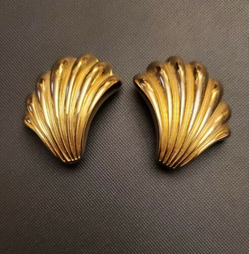 Signed GIVENCHY PARIS NEW YORK Vintage Clips Earrings Fan Shell Design Gold Tone - $39.95