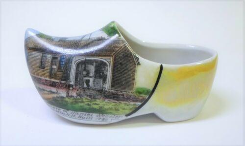 """Antique SOUVENIR SHOE DANIEL WEBSTER BIRTHPLACE Franklin N.H. Porcelain 3.5"""" Lg"""