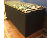 Stunning ottoman/blanket/storage box