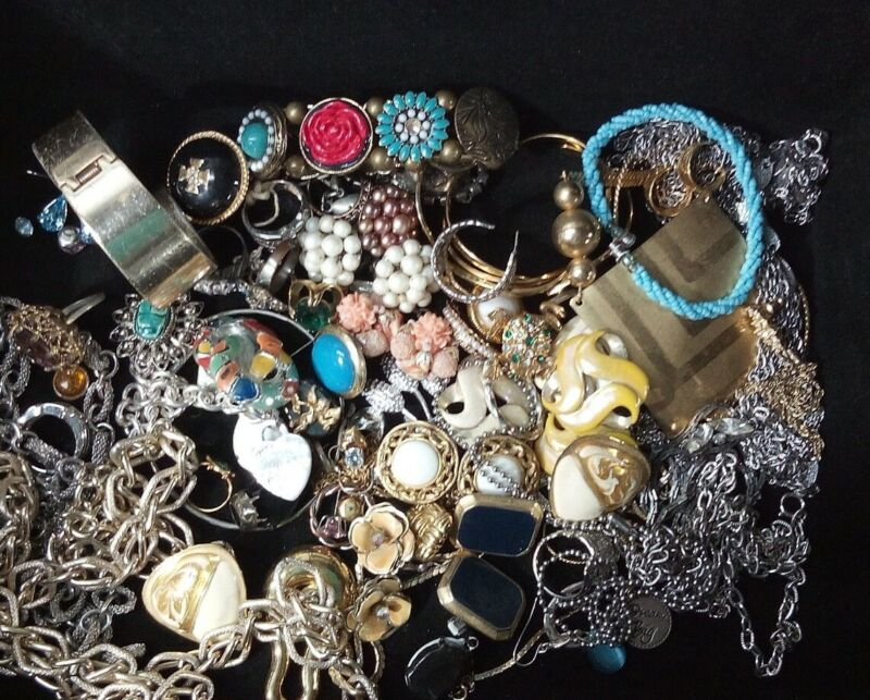 Vintage Jewelry Lot Rings Bracelets Earrings Necklace Variety Costume Untested