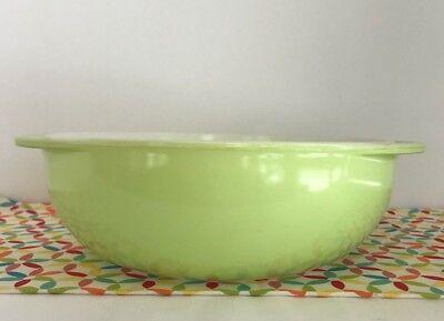 Pyrex Green 024 Round Casserole Dish Tab Handle Baking Dish 2 Quart Vintage