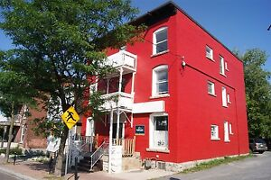 Great 2 Bed in Little Italy Available Now!