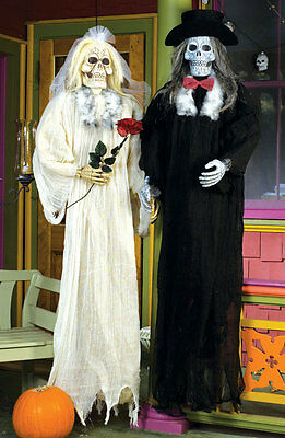 Skeleton Bride and Groom Halloween Prop Decoration Haunted House Prop