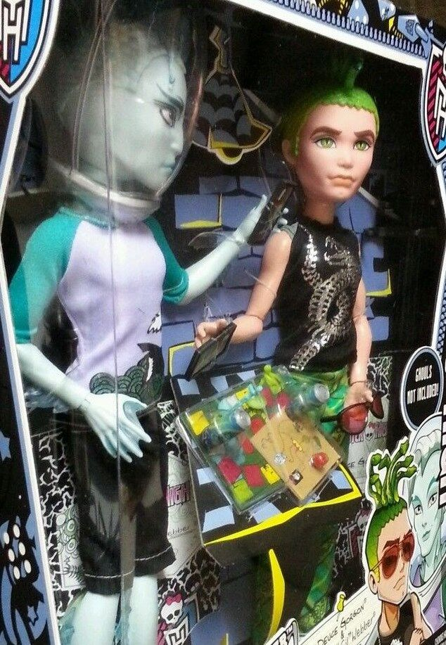 monster high gil webber deuce gorgon mansters 2 pack boy dolls new exclusive