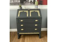 Vintage style bureau with a gold finish - furniture - desk - drawers - storage