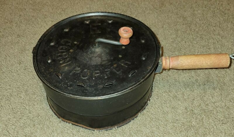 Vintage E-Z Corn Popper Popcorn Stove Top Camping Red Wooden Handle