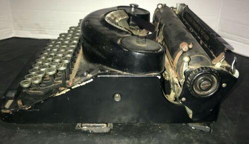 Vintage Black Remington Noiseless portable Typewriter