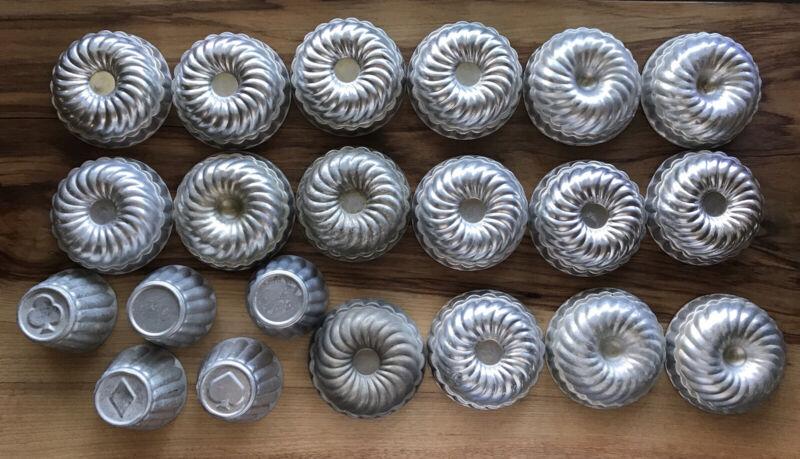 Vintage 21 Mini Aluminum Gelatin Mold Cake Pans Baking Tin Lot; Read Details