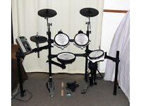 ROLAND V-Drums electronic TD-9 full mesh pads kit plus pedal 3 zone ride Excellent.