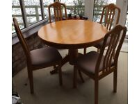 Kitchen Table and 4 Chairs very good condition