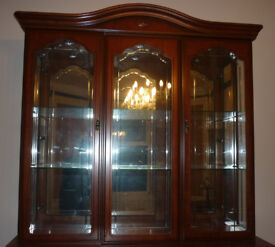 Beautiful Mahogany Sideboard Top, Mirrored Back, Glass Shelves A Real Stunner
