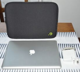 Apple MacBook Pro 15' Sierra OS Great Condition, travel case offered