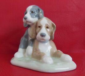Nao Ladro Figurine ( puppy dogs )