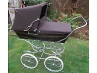 Vintage Silver Cross coachbuilt pram, brown, superb condition, baby ready. Delivery possible.