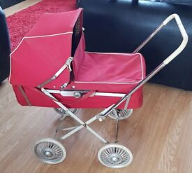 VINTAGE DOLLS PRAM 1960-1970s Carrycot and Chassis