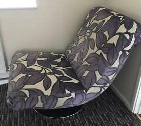 SCS Swivel Chair