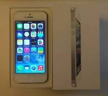 iPhone 5 16G silver unlocked like new condition with box charger Rockdale Rockdale Area Preview