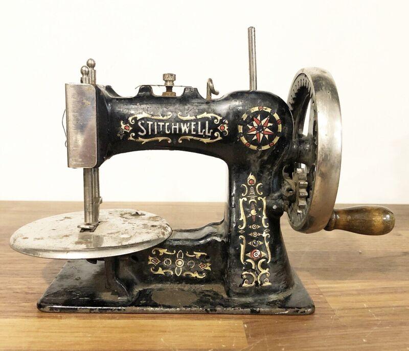 Vtg Antique Cast Iron National STITCHWELL Childs Toy Hand Crank Sewing Machine