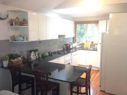 Second Hand Modern Kitchen Cabinet with Natural Granite Benchtop Beecroft Hornsby Area Preview