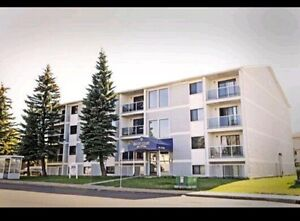 Offering One Bedroom Apartment in Millwoods @870&March Half
