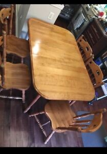 Kitchen Table w/ 6 chairs - Make an offer