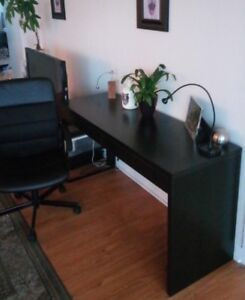Office/Bedroom Desk & Chair - Excellent Condition