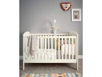 Mamas & Papas Mia Classic Cotbed Ivory RRP £349 *Brand New Unopened Boxed*