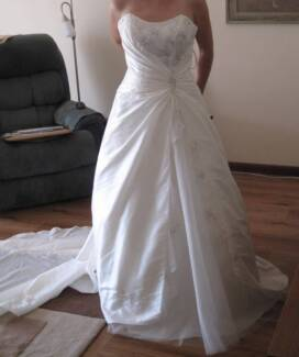Size 10 wedding dress, will fit 8-12 due to lace-up back