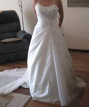 Size 10 wedding dress, will fit 8-12 due to lace-up back Golden Grove Tea Tree Gully Area Preview