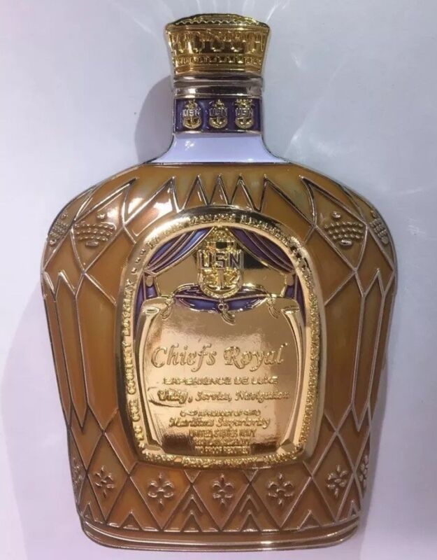 CROWN ROYAL LIQUOR BOTTLE SHAPED COLLECTOR MILITARY SPECIAL EDITION COIN W/ BAG