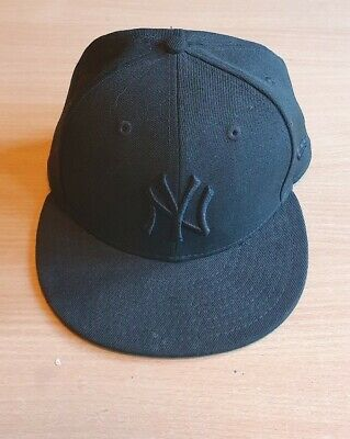 NY Yankees Black Snapback Cap New Era Size 7