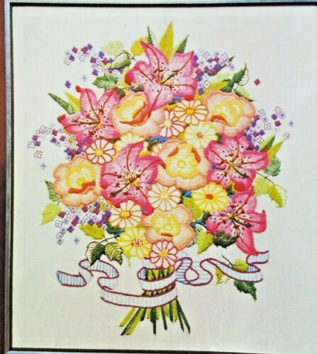 Spinnerin Vtg  # ST861 Tiger Lilies Crewel Embroidery  Kit 18 x 24 Flower Floral