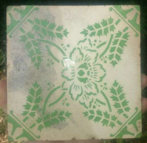 Vintage GREEN & WHITE Decorative tile