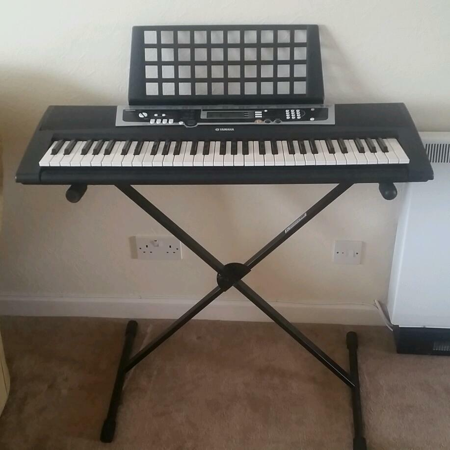 Yamaha Electric Keyboard Ypt