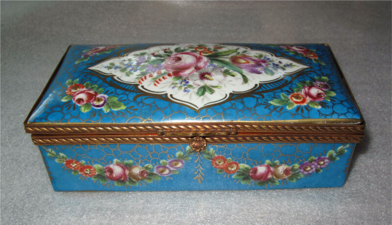 SEVRES PORCELAIN BOX GILDED BRONZE ORMOLU HAND PAINTED FLOWERS 1850